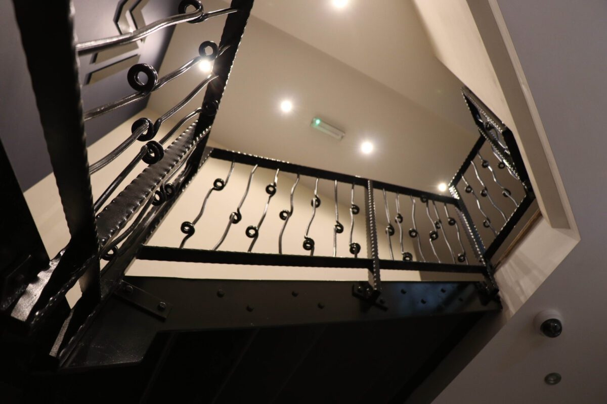 Lewis and Raby bespoke staircase manufacturing