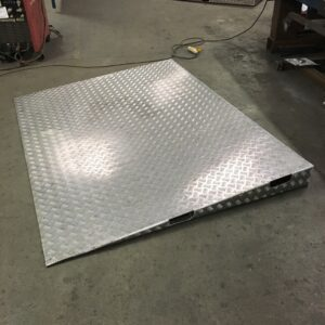 Heavy duty steel ramp